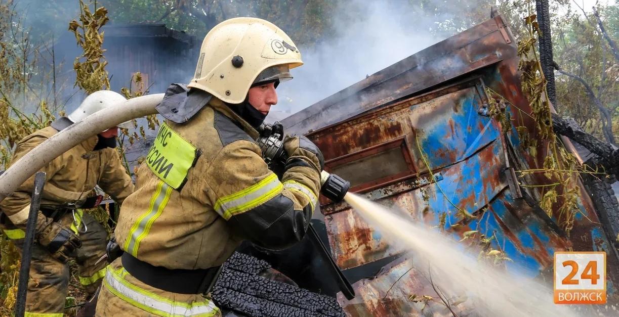 В Марий Эл 20 июня горели автомобиль и хозяйственная постройка