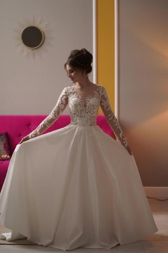 Купить свадебное платье в чехле, после   Объявления Орска и Новотроицка №28576
