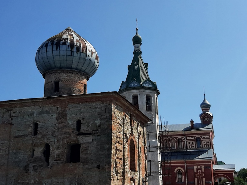 Постройки Никольского мужского монастыря разных веков