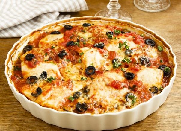 Хек с оливками и сыром