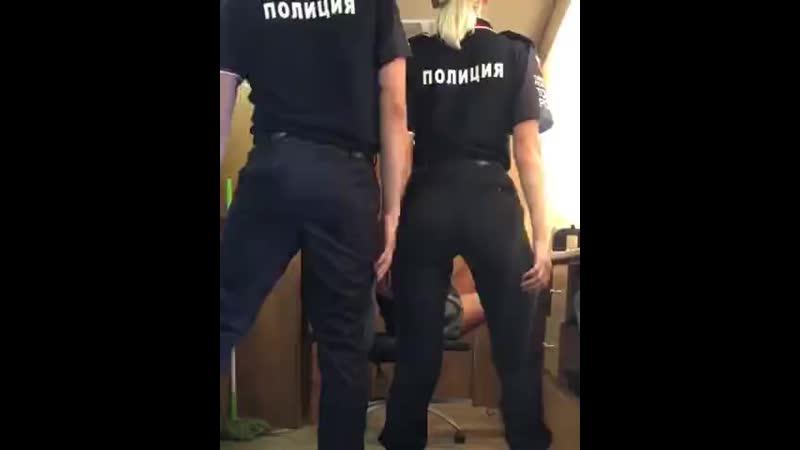 Ивлеева танцует ритуальный танец Туристическая Полиция mp4