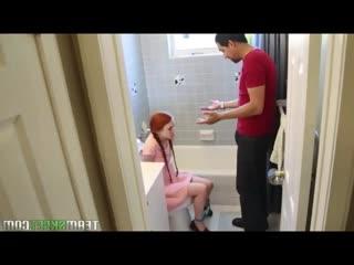 Бойфренд от души напихал в киску   худой рыжей Dolly Little порно секс минет porn sex blowjob teen girl fier hair