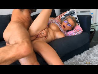 Elizabeth Romanova - Elizabeth Fucks Mom's New Boyfriend  [All Sex, Blowjob, Big Tits, Squirt, 1080p]