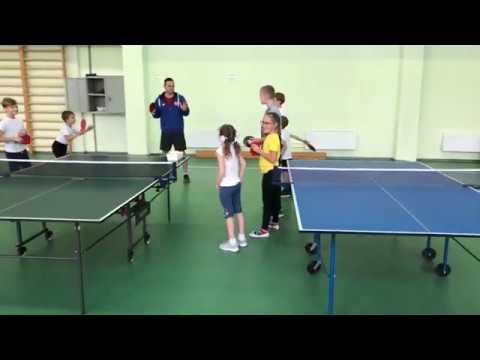 Стойка теннисиста и хват ракетки в настольном теннисе Урок №1