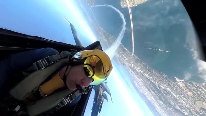 Голубые Ангелы англ Blue Angels старейшая группа высшего пилотажа в мире созданная в 1946 году на базе ВВС США