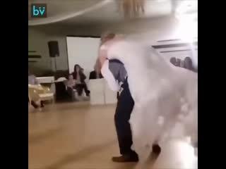 Бойцовский свадебный танец