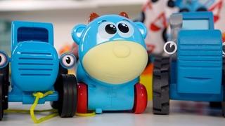 Поиграем в Синий трактор - Игры с животными и машинками на внимание для детей малышей