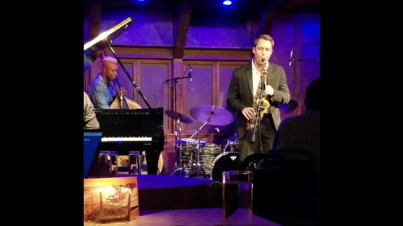 Au Privave @ Chris' Jazz Café jam session Dave Pollack's solo