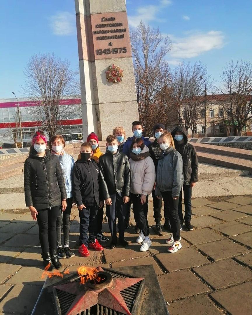 Юнармейцы приняли участие в мероприятии «Петровчане - герои войны»