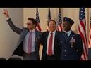 Сенатор Стерн вручает награды Роуди и Тони Железный Человек 2 2010