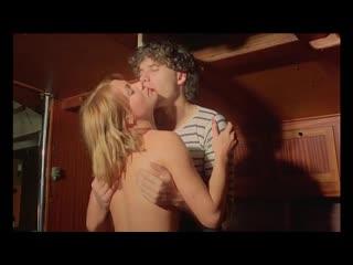 Маленькие трусы сходят с ума / Les Petits slips se dechainent 1981 порно фильм с русским переводом anal retro vintage porno sex