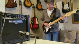 Behringer GM 108 V Tone Amp and Stratocaster Style Guitar   4K