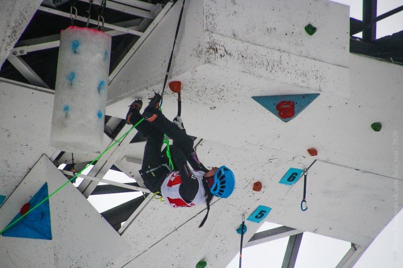 Главные отечественные ледолазные старты сезона финишировали в городе Кирове в минувшие выходные – чемпионат и первенство России по альпинизму. Всем было что доказывать и что терять…, изображение №37