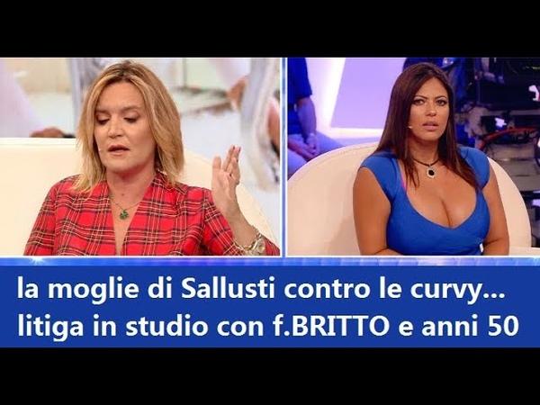 Barbara D'Urso stravolta, la clamorosa rissa a Pomeriggio 5 tra Lady Sallusti e Fabiana Britto